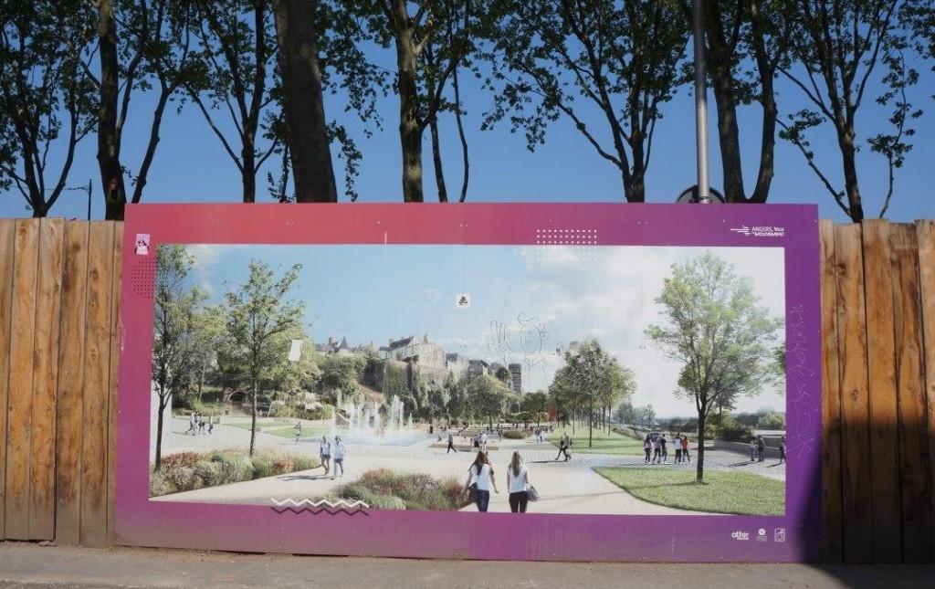工事現場には、将来の完成図ポスターが、必ず大きく紹介されている。