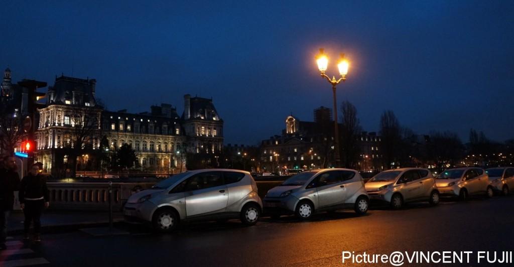 パリのセーヌ河畔沿いに並ぶ、シェアカー・オートリヴ