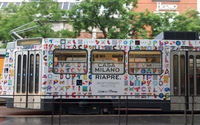 トラム車体に「ミラノにようこそお帰り」のメッセージ